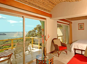 Relax in your deluxe room at Si Como No