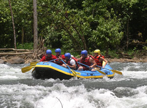 Opportunities for white water rafting near Arenal