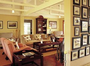 Fugitives Drift Guest House lounge